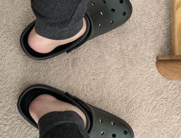 how-should-crocs-fit-2