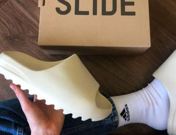 how-do-yeezy-slides-fit-2